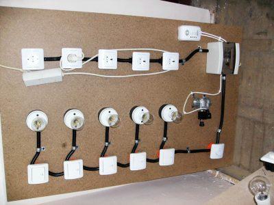 Cursuri calificare gratuite sau cu plata Electrician exploatare medie si joasa tensiune (24)
