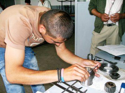 Cursuri calificare gratuite sau cu plata Lacatus mecanic de intretinere si reparatii universale (5)