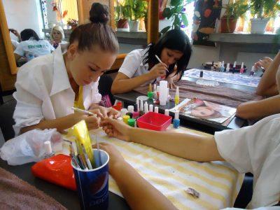 Cursuri calificare gratuite sau cu plata Manichiurist pedichiurist (10)
