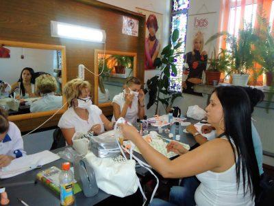 Cursuri calificare gratuite sau cu plata Manichiurist pedichiurist (14)