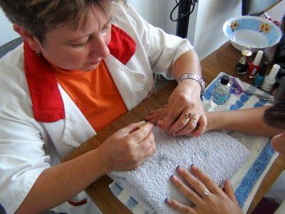 Cursuri calificare gratuite sau cu plata Manichiurist pedichiurist (3)