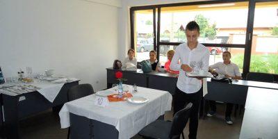 Cursuri calificare gratuite sau cu plata Ospatar (chelner) vanzator in unitati de alimentatie (12)