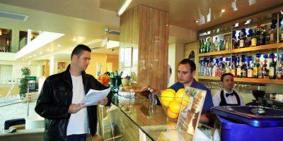 Cursuri calificare gratuite sau cu plata Ospatar (chelner) vanzator in unitati de alimentatie (16)