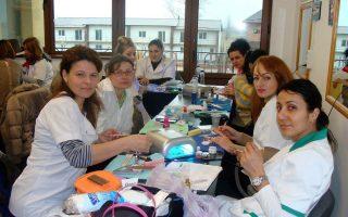 Cursuri calificare gratuite sau cu plata Stilist protezist de unghii (27)