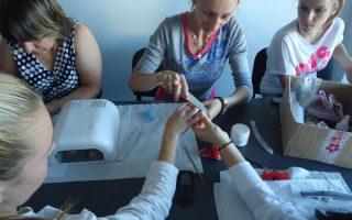 Cursuri calificare gratuite sau cu plata Stilist protezist de unghii (30)