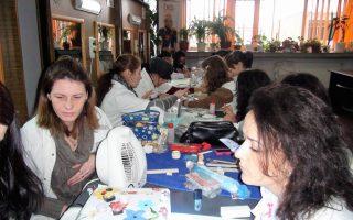 Cursuri calificare gratuite sau cu plata Stilist protezist de unghii (32)
