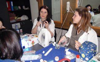 Cursuri calificare gratuite sau cu plata Stilist protezist de unghii (39)