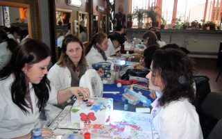 Cursuri calificare gratuite sau cu plata Stilist protezist de unghii (40)