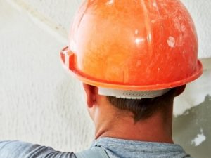 Lucrator finisor in constructii