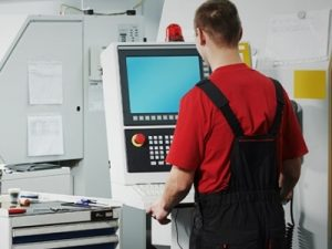 Operator masini unelte semiautomate si automate