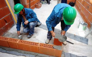 Cursuri calificare gratuite sau cu plata Zidar, pietrar, tencuitor (22)