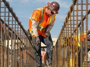 Lucrator in structuri pentru constructii